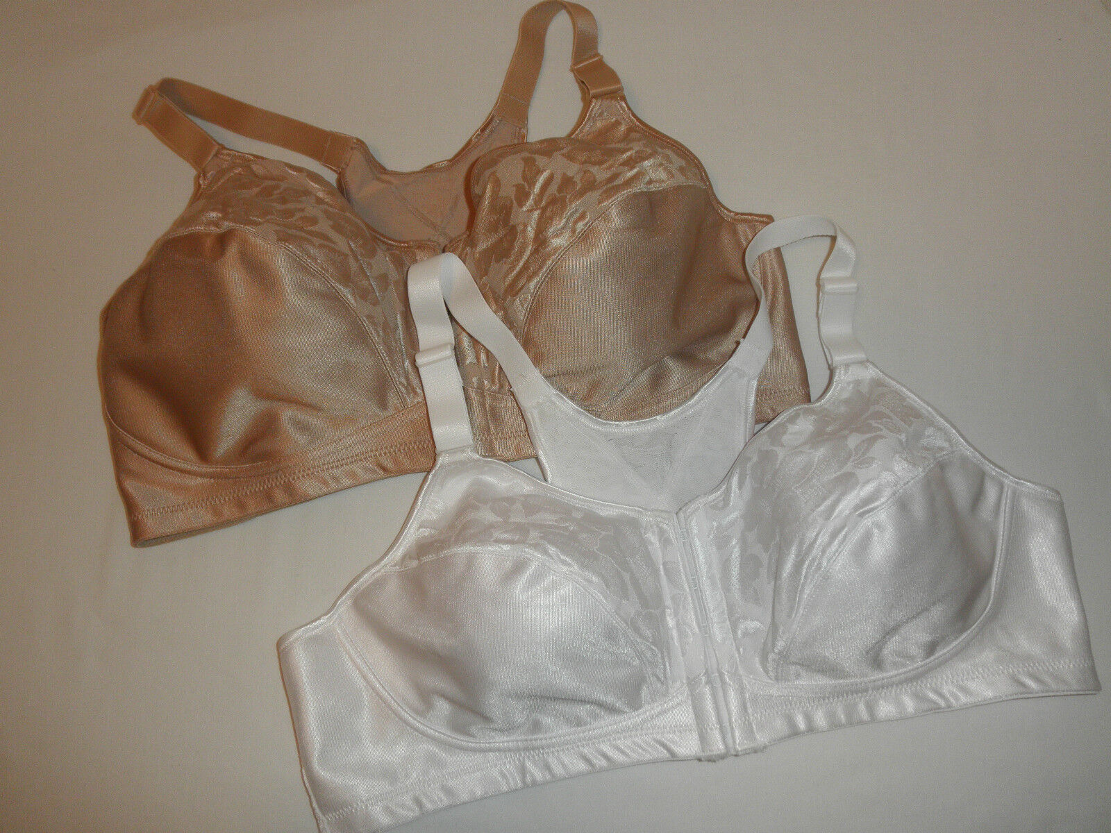 3dd582302d NWT Playtex 4643 Bra 18-Hour Posture and Back Support Wire-free Nude ...