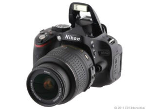 Nikon D D5100 16,2 MP Digitalkamera - Sc...