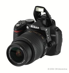 Nikon D3000 10,2 MP Digitalkamera - Schw...