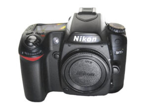 Nikon D80 10,2 MP Digitalkamera - Schwar...