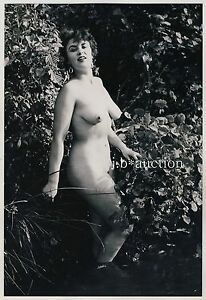 Nudism-CHUBBY-NUDE-WOMAN-OUTDOOR-MOLLIGE-NACKTE-FRAU-FKK-Vintage-50-Photo