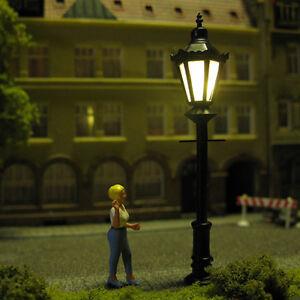 Parklaterne-Parkleuchte-Parklampe-Strassenlampe-mit-LED-Spur-H0-S33