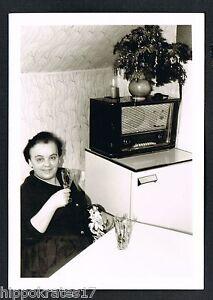Photo vintage Foto Rundfunk Frau Röhrenradio Advent woman radio tube femme (89) - Westerholt, Deutschland - Widerrufsbelehrung Widerrufsrecht Sie haben das Recht, binnen eines Monats ohne Angabe von Gründen diesen Vertrag zu widerrufen. Die Widerrufsfrist beträgt einen Monat ab dem Tag, - an dem Sie oder ein von Ihnen benannter Dritt - Westerholt, Deutschland