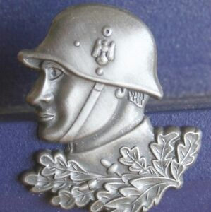 Pin-Soldat-Landser-STAHLHELM-Eichenlaub-Metall-Neu-391