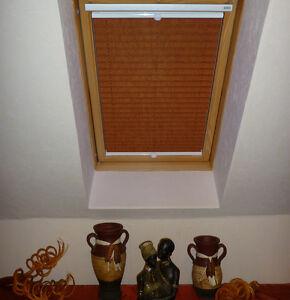 plissee faltstore g nstig f r velux dachfenster holz ggl. Black Bedroom Furniture Sets. Home Design Ideas
