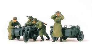 Preiser-16580-Kradschuetzen-schiebend-Zuendapp-KS-750-Deutsches-Reich-1939-45-OVP