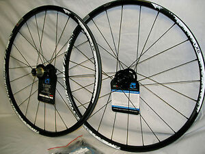 REYNOLDS-XC-CARBON-26-MOUNTAIN-BIKE-WHEELSET-6-BOLT-DISC-TUBELESS-SHIMANO-NEW