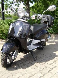 ROLLER-50-ccm-4TAKT-MOTORROLLER-RETRO-SCOOTER-NEU-MOD-E