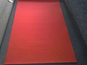 roter teppich 3 90 m teppichboden 100 cm b1 auslegware. Black Bedroom Furniture Sets. Home Design Ideas