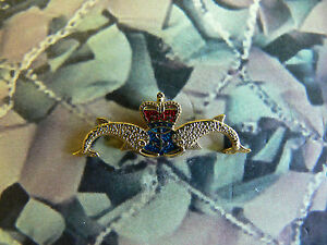 Royal-Navy-Submariner-Dolphins-Enamel-Lapel-Badge-RN