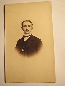 Rudolstadt-Herr-Heinrich-Leo-mit-Brille-und-Bart-im-Anzug-Portrait-CDV