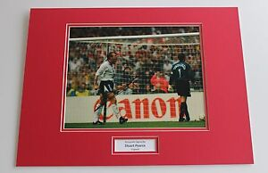 STUART-PEARCE-IN-ENGLAND-SHIRT-HAND-SIGNED-AUTOGRAPH-PHOTO-MOUNT-COA-PROOF