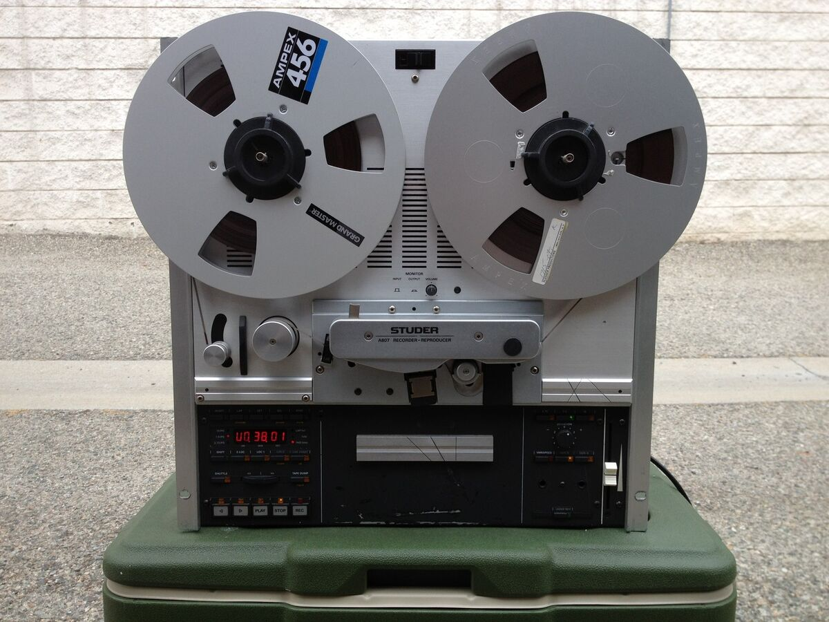 STUDER A 807 PROFESSIONAL RECORDER/REPRODUCER REEL TO REEL