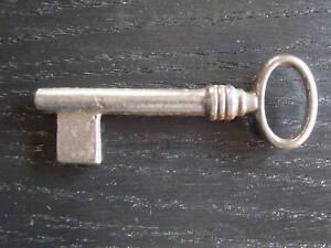Schluesselrohling-in-Eisen-mit-Dorn-Nr-3902-70