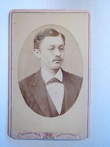 Schwarzenberg-Mann-mit-Brille-Portrait-CDV