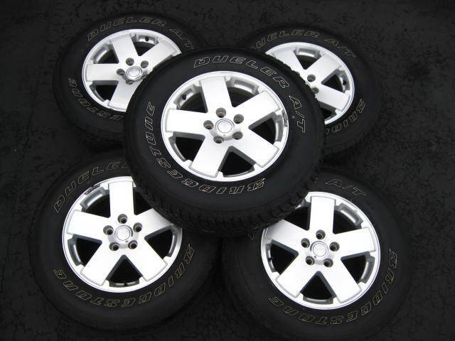 Wrangler Sahara x 5 Spoke Factory Wheels Rims P255 70R18 Tires