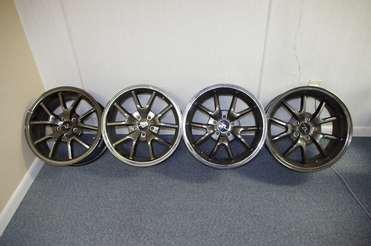 Chrome Staggered FR500 Replica Wheels Mustang 2005 18x9 18x10
