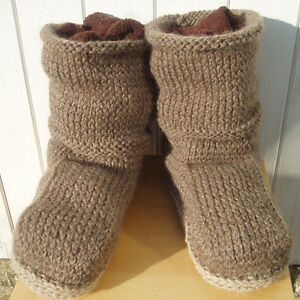 about Snugg slipper boots knitting pattern for women/teens UK3 to UK8