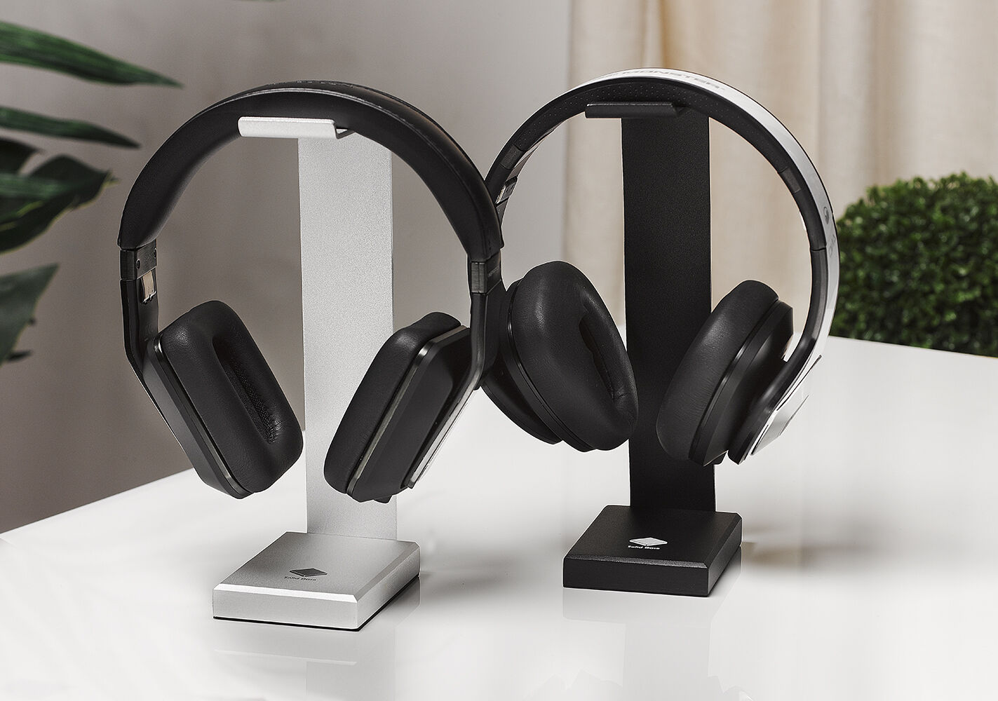 Solid Base Elite Aluminum Desktop Headphones Stand For