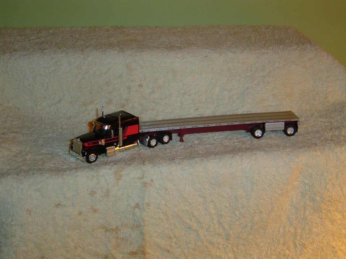 Tonkin 1 87th FGT Coronado Tractor Flatbed Trailer