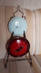 Topfdeckelhalter-alt-aus-Metall-mit-Rost-Deko-Kueche