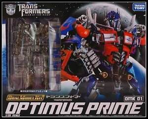 Transformers-DOTM-1-35-Scale-Optimus-Prime-DMK-01-Dual-Model-Kit-Action-Figure