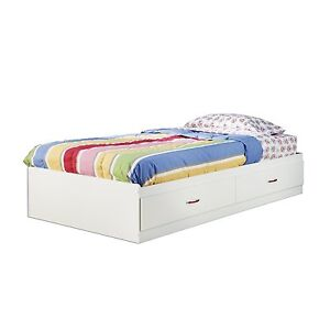 Twin Size Platform Day Bed Frame In White Finish With 2