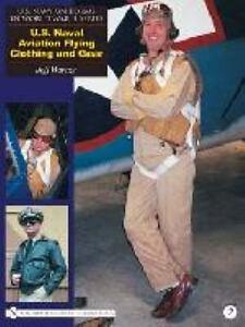 Navy Uniforms in World War II Seri...