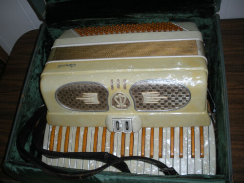 VINTAGE CASALLI OR CASALI ACCORDION MADE IN ITALY W CASE NICE INTERNATIONAL SALE in Musical Instruments & Gear, Accordion & Concertina | eBay