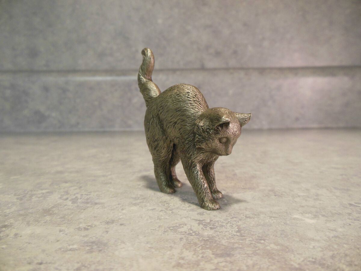 Vintage Franklin Mint American Pewter Curio Cabinet Cat Small Figurine
