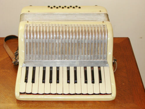 VINTAGE SALANTA JUNIOR ACCORDION WITH CASE MADE IN ITALY in Musical Instruments & Gear, Accordion & Concertina | eBay