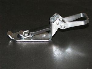 Verschlusslager-Schaufel-Spatenhalter-Axthalter-Besenhalter-Massiv-Dm-30mm-Kurz