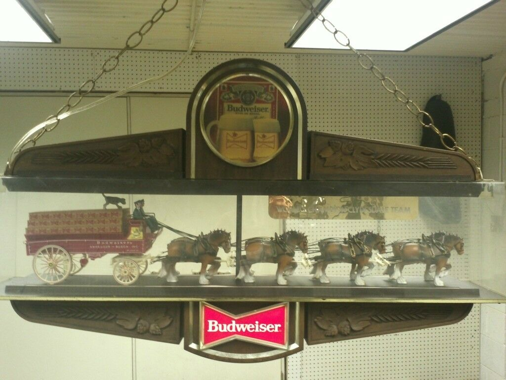 Vintage Budweiser Clydesdale Clock Pool Table Light