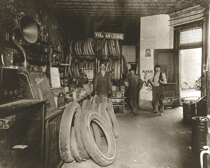 Vintage Ford Auto Repair Shop Auto Garage Interior Old Time Auto Part Store Look