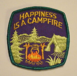 Vintage-HAPPINESS-IS-A-CAMPFIRE-Tent-Camping-Embroidered-PATCH