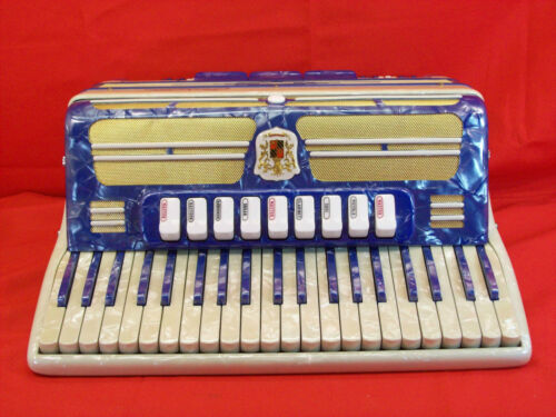 Vintage Marotta Castelfidardo 120 Bass Accordion w/Case and Straps, Italy, NR in Musical Instruments & Gear, Accordion & Concertina | eBay