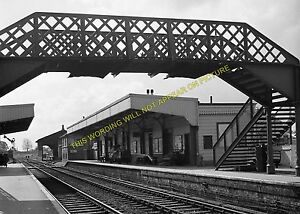 Warminster-Railway-Station-Photo-Westbury-Heytesbury-Salisbury-Line