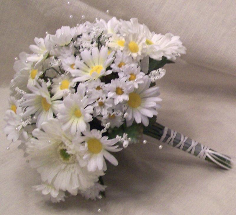 wedding bridal bouquets white daisy wedding package