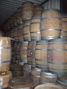 Weinfass-Stehtisch-Fass-Holzfass-Eichenfass-Faesser-Barrique