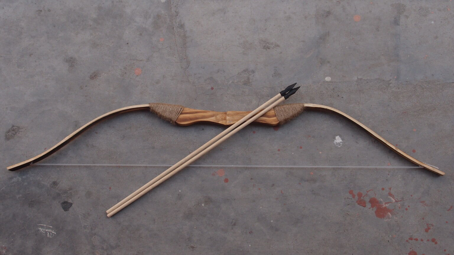 Wooden bow and 3 Arrows With Rubber TipsArchery Sets Hunting Longbow