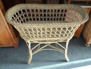 antikes korb bett kinderbett baby bett um 1900 keine wiege ebay. Black Bedroom Furniture Sets. Home Design Ideas
