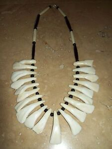 -necklace-Native-American-made-Mountain-Man-rendezvous-bison-teeth