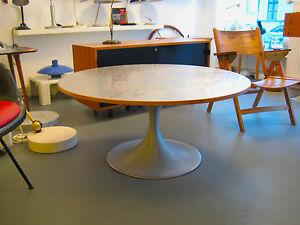einzigartiger tulip tisch aluminium platte space age. Black Bedroom Furniture Sets. Home Design Ideas