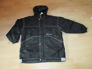 schwarze jungen winterjacke mit kapuze gr sse 152 ebay. Black Bedroom Furniture Sets. Home Design Ideas