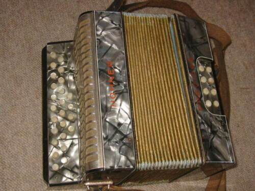 very small Hohner Preciosa Liliput button accordion WWII Tornisteraccordeon RARE in Musical Instruments & Gear, Accordion & Concertina | eBay