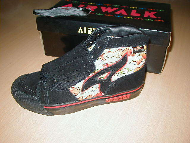 i had red ones with the airwalk teradactyl dood all over them and hte ywere  AWESOME.. ridiculous..but awesome! a2e2a02d7