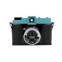 Manual Focus Medium Format Film Cameras with Shooting-Modes