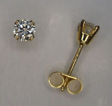 Excellent Cut Yellow Gold 18 Carat Fine Diamond Earrings