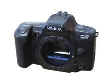 Analoge Konica Minolta Spiegelreflexkameras mit eingebautem Blitz