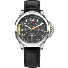 Tommy Hilfiger Armbanduhren aus Edelstahl mit Datumsanzeige und mattem Finish